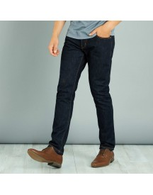 Raw Denim Jeans Met Slimfit Model En afbeelding