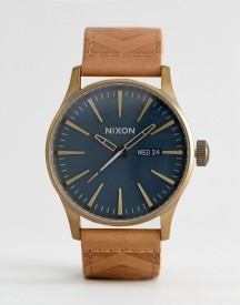 Nixon Local Sentry Leather Watch In Tan afbeelding