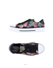 Valentino Garavani Low-tops & Sneakers Female afbeelding