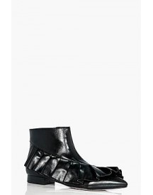 Bethany Frilled Pointed Ankle Boot afbeelding