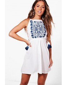 Petite Leah Embroidered Strappy Tassle Sundress afbeelding