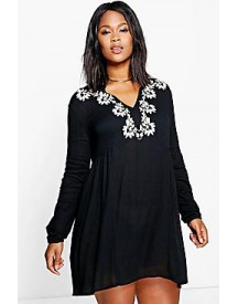 Plus Nori Embroidered Woven Smock Dress afbeelding