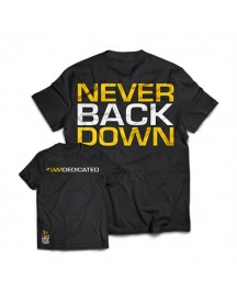Dedicated T-shirt 'never Back Down' afbeelding