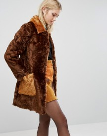 Asos A Line Coat In Faux Fur With Contrast Pockets afbeelding