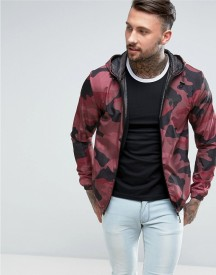 Good For Nothing Windbreaker Jacket In Burgundy Camo afbeelding