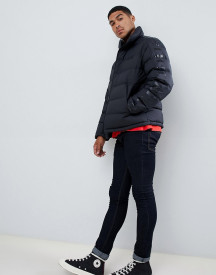 Hugo Biron Down Puffer Jacket With Taped Sleeve And Chest Logo In Black afbeelding