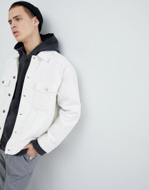 Mennace Denim Jacket In White afbeelding