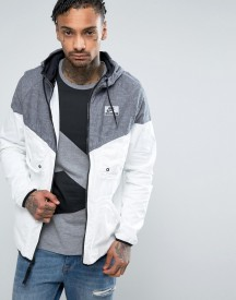 Nike International Wind Breaker Jacket In White 831130-011 afbeelding