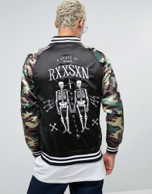 Reason Embroidered Souvenir Bomber Jacket With Camo Sleeves afbeelding