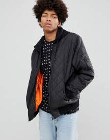 Yourturn Quilted Bomber Jacket In Black With Jersey Hood afbeelding