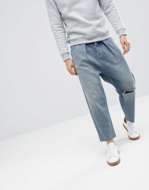 Asos Design Barrel Jeans In Mid Wash Blue With Rips afbeelding