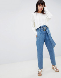 Asos Design Paper Bag Waist Detail Jeans In Mid Blue Wash With Belt Detail afbeelding