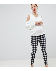 Asos Design Maternity Rivington High Waisted Jeans In Blur Gingham Mono Print With Under The Bump Waistband afbeelding
