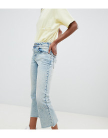 Asos Design Petite Egerton Rigid Cropped Flare Jeans With Darts In Light Vintage Wash afbeelding