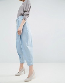 Asos White Ovoid Mom Jean In Lightblue Wash afbeelding