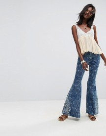 Free People Embellished Float On Flared Jeans afbeelding