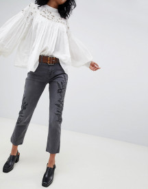 Free People Embroidered Girlfriend Jeans afbeelding