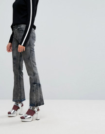Iceberg Pleat Detail Crop Kick Flare Jeans With Let Down Hem afbeelding