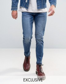 Mennace Slim Fit Cropped Jeans With Raw Hem In Dark Wash afbeelding