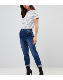 Missguided Petite Riot High Rise Mom Jeans afbeelding