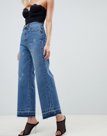Prettylittlething Wide Leg Raw Hem Jeans In Blue afbeelding