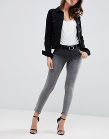 Replay- Touch Super High Raised Cropped Jeans In Ombre Black Wash afbeelding
