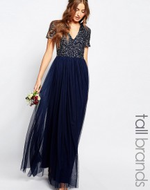 Maya Tall V Neck Maxi Tulle Dress With Tonal Delicate Sequins afbeelding