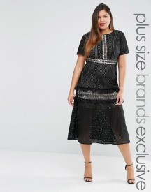 Truly You Tiered Premium Lace Midi Dress afbeelding